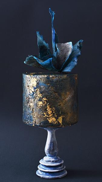 Rodjendanske torte-tamno plava sa zlatom