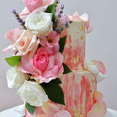 Rodjendanske torte Roze puterkrem sa prirodnim cevecem